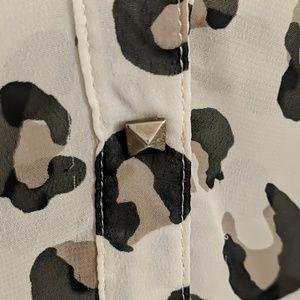 Tops - Leopard print blouse